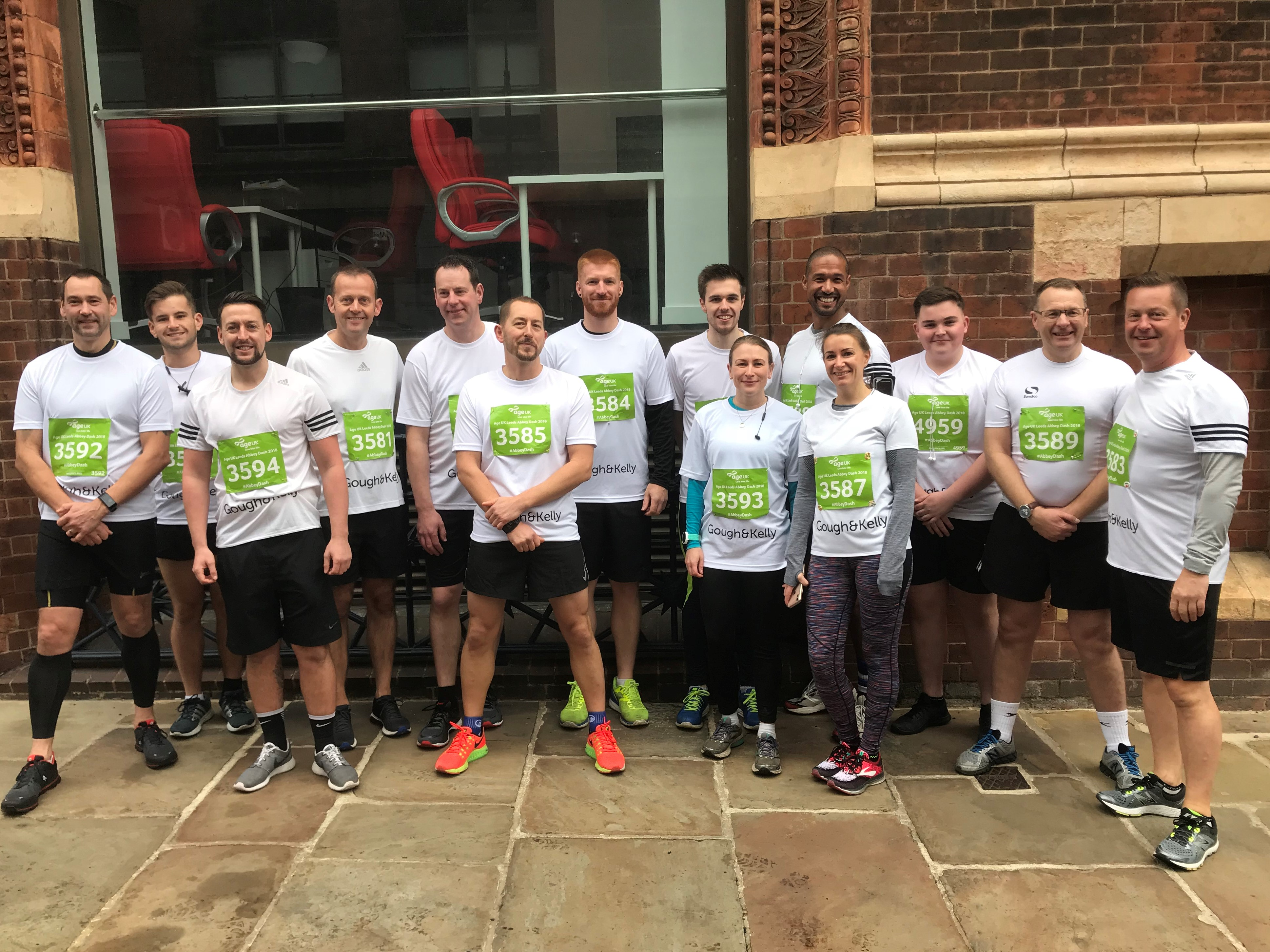 Dash to raise funds for Cancer Research UK